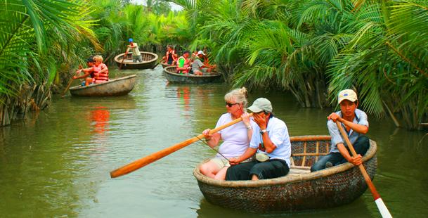 Coconut Basket Boats Tour